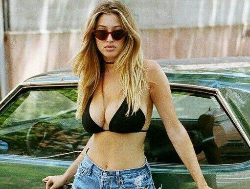 Hot babe, green car…